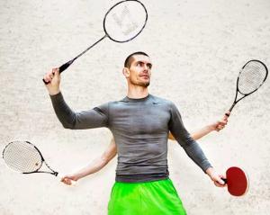 Gus Hansen, squashista, tenista, badmintonista, pingpongista
