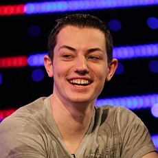 http://resources.pokerstrategy.com/2012/11/23/dwan.jpg