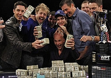 http://resources.pokerstrategy.com/2012/12/04/total_gambler_14731_15.jpg