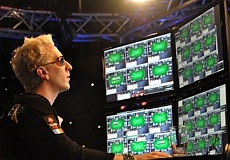 http://resources.pokerstrategy.com/2013/01/03/Elkymultitabling_4.JPG