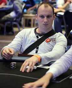http://resources.pokerstrategy.com/2014/01/27/PokerSM13_dag1_14-thumb-450x300-206855.jpg